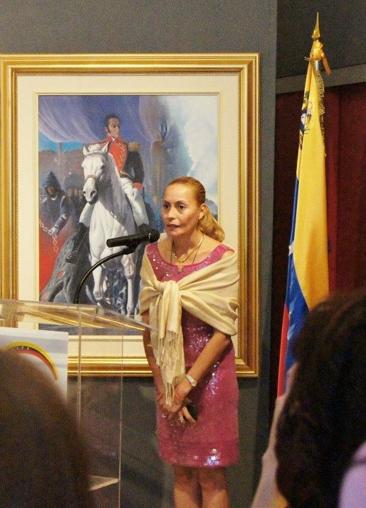 Mirtha Yepez OrinoquiArt Founder at the opening vernissage at the extention Culturel Consulat of Venezuela. CCSB Montreal