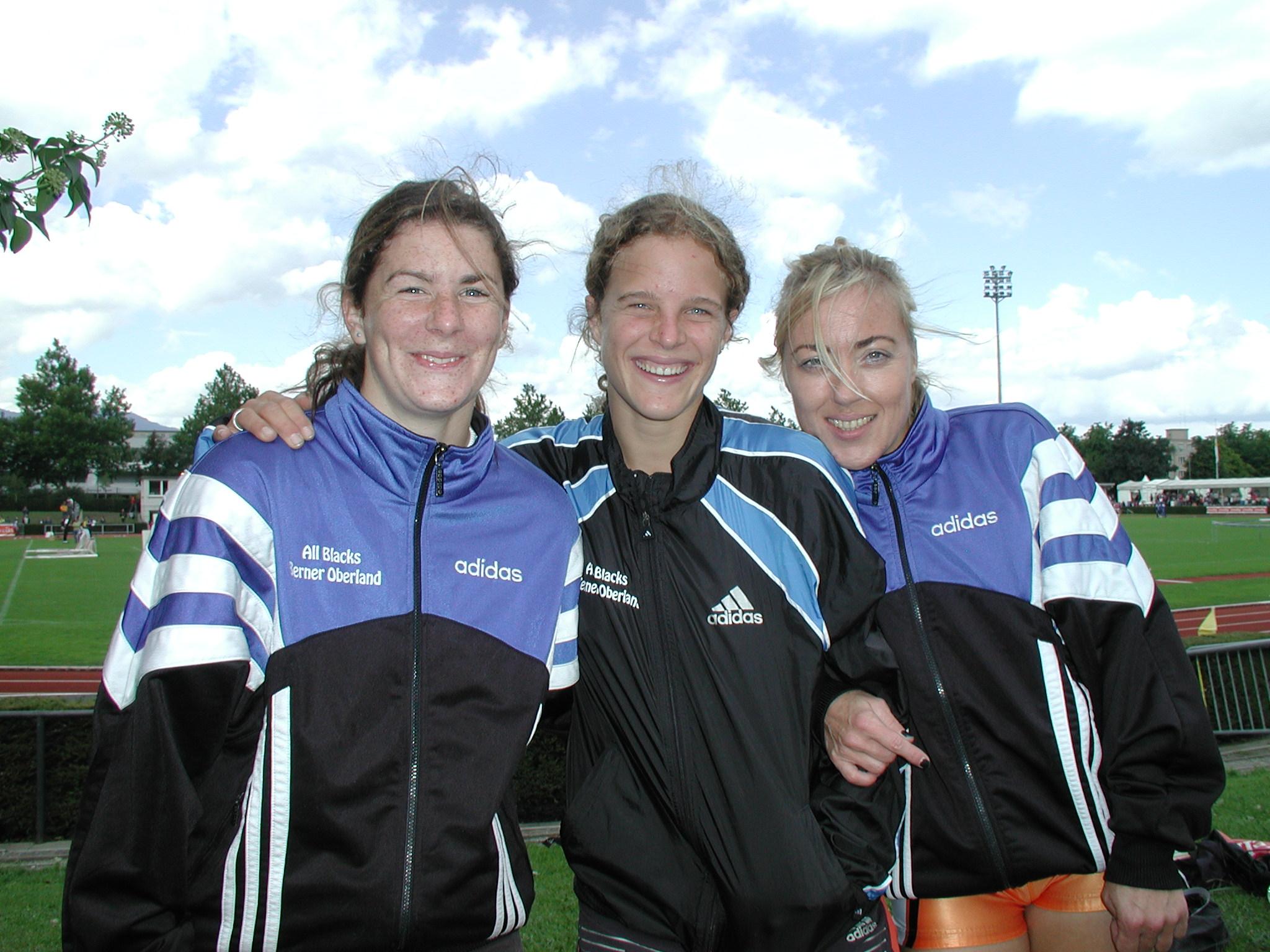 All Blacks-Staffel 3x1000m: Evelyne Jeitziner  |  Nadine Imoberdorf  |  Yvonne Rüger