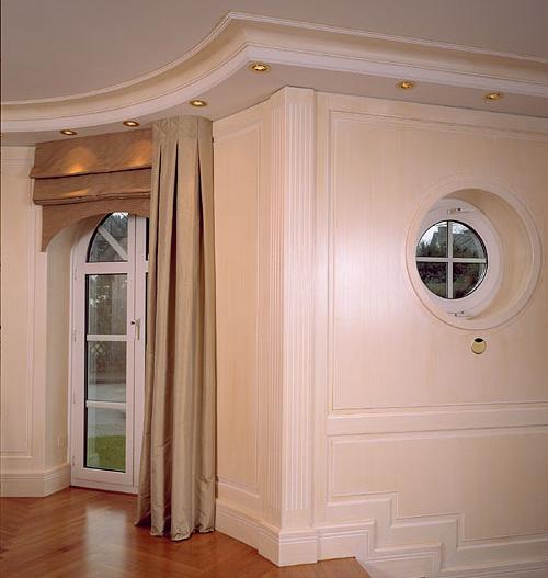Deckenbaldachin mit rundem Verlauf