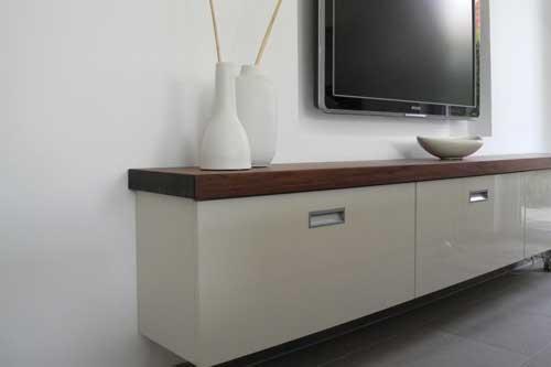 Sideboard mit massiver Nussbaumplatte