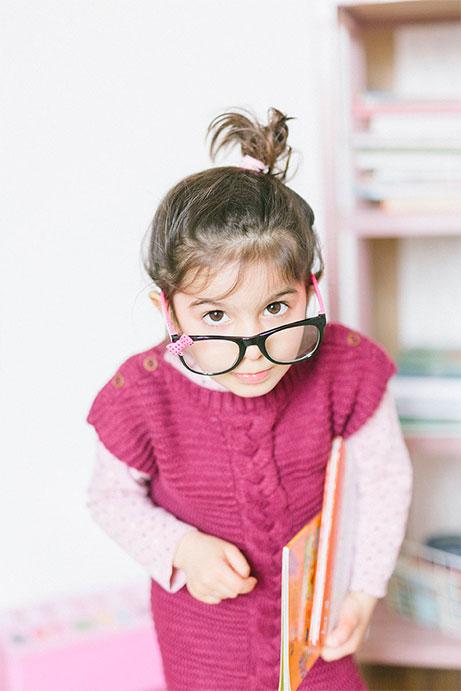 photo portrait studio petite fille - photographe professionnelle Nantes Cholet La Roche sur Yon