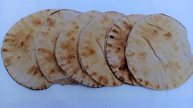 Libanesisches Fladenbrot grau