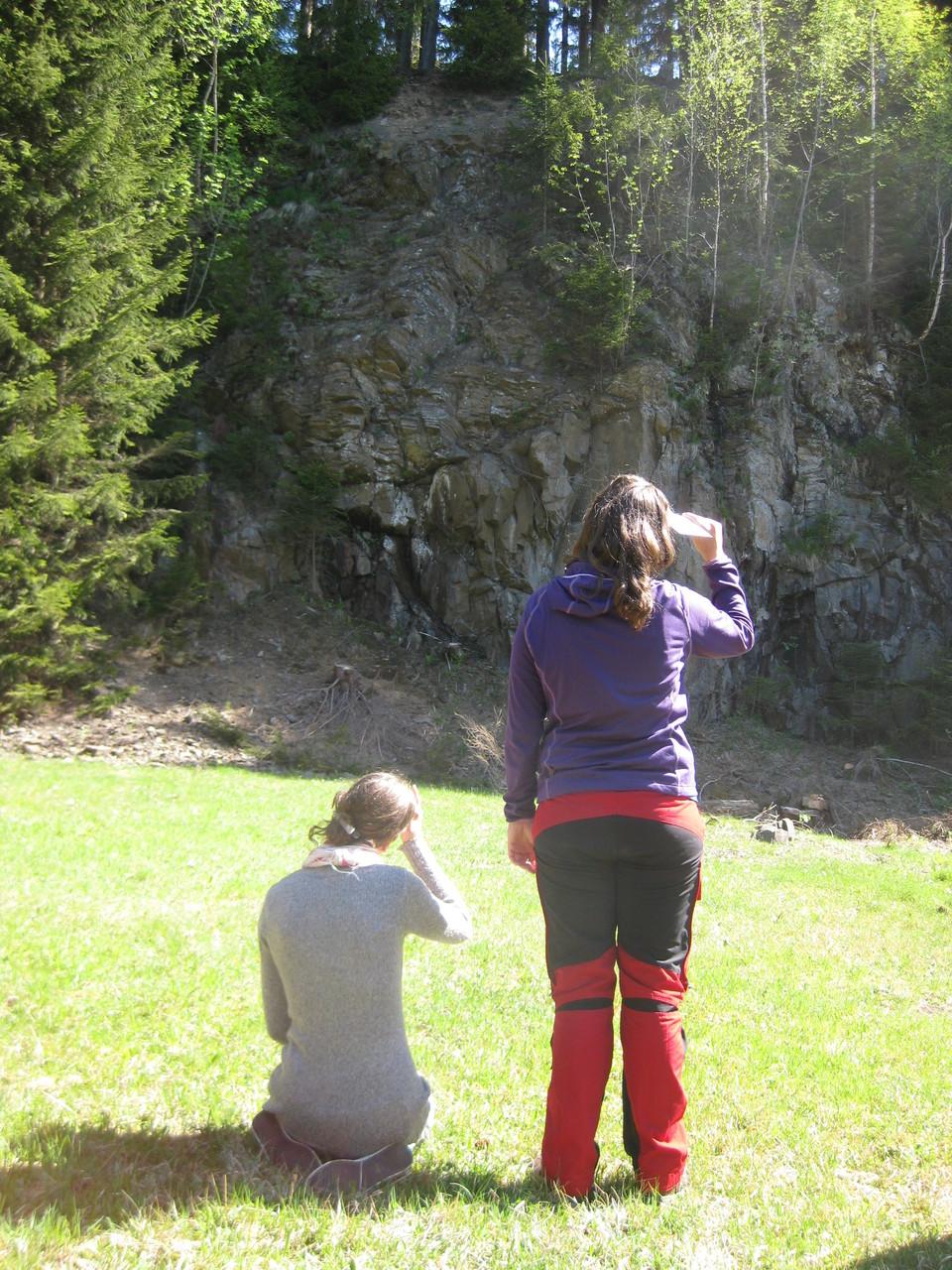 Zweifeln begegnen. Eine Felswand - beängstigend oder herausfordernd?