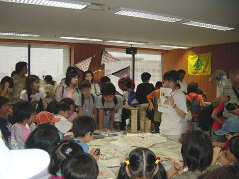 展示「ミミズの学校」(地球環境パートナーシッププラザ
