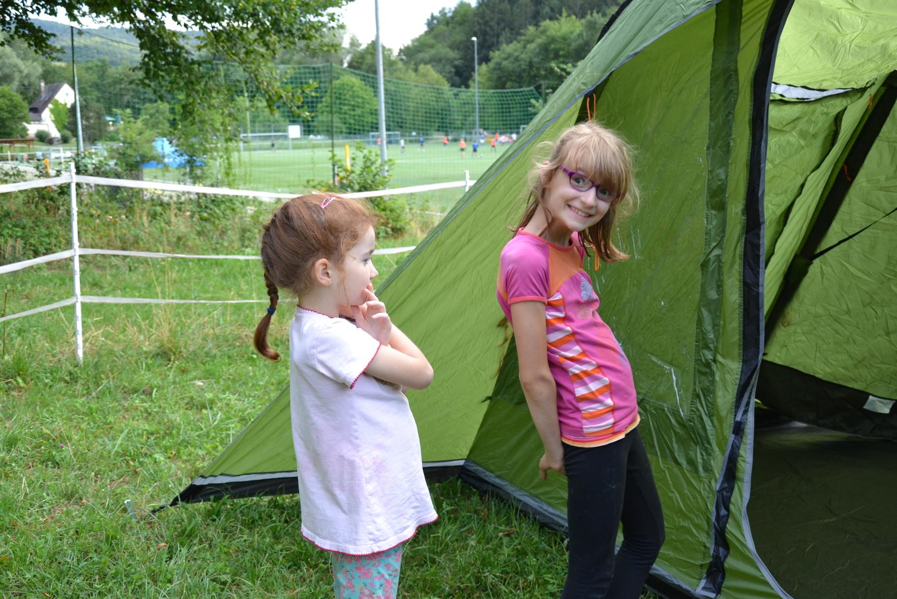 Endlich steht das Zelt!