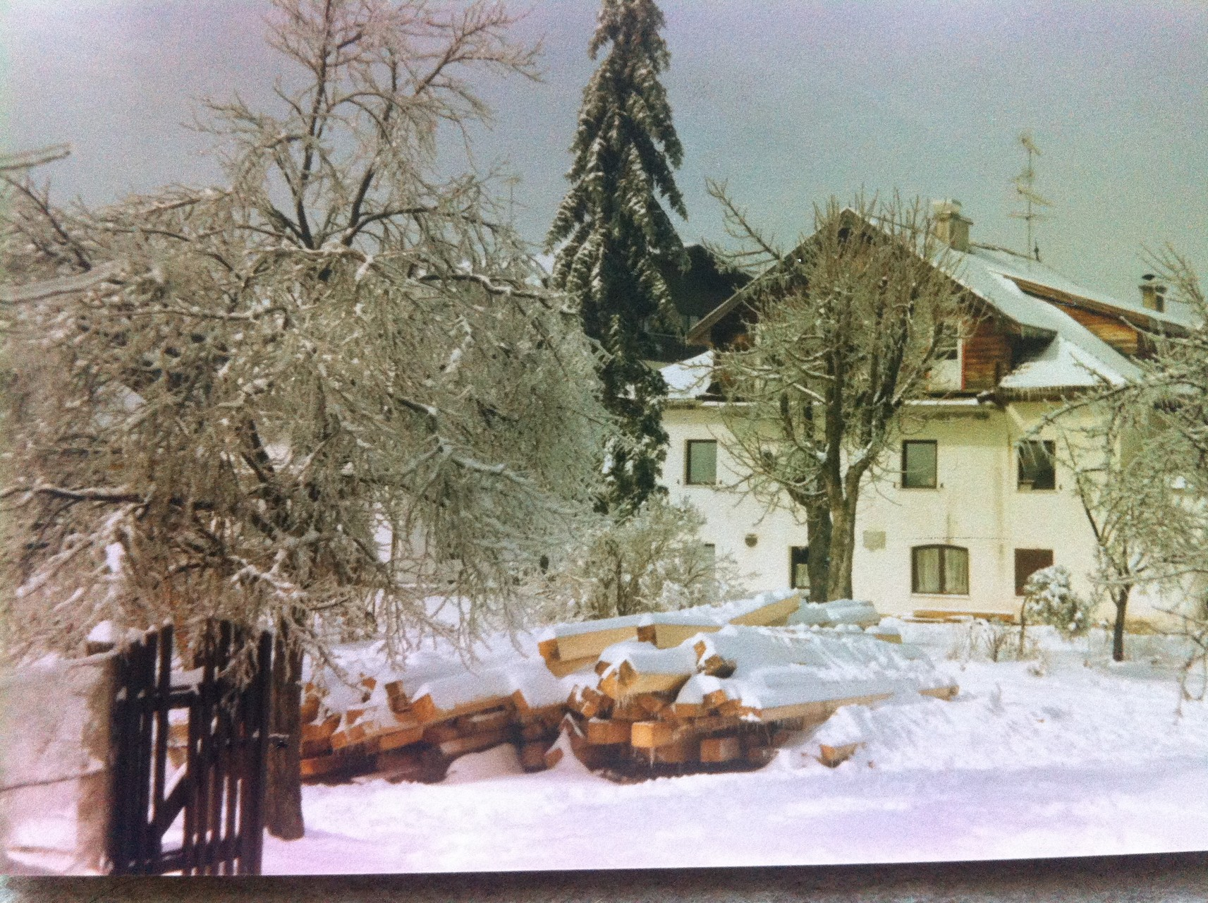 Winter 1987 vor dem Umbau des Gasthofes