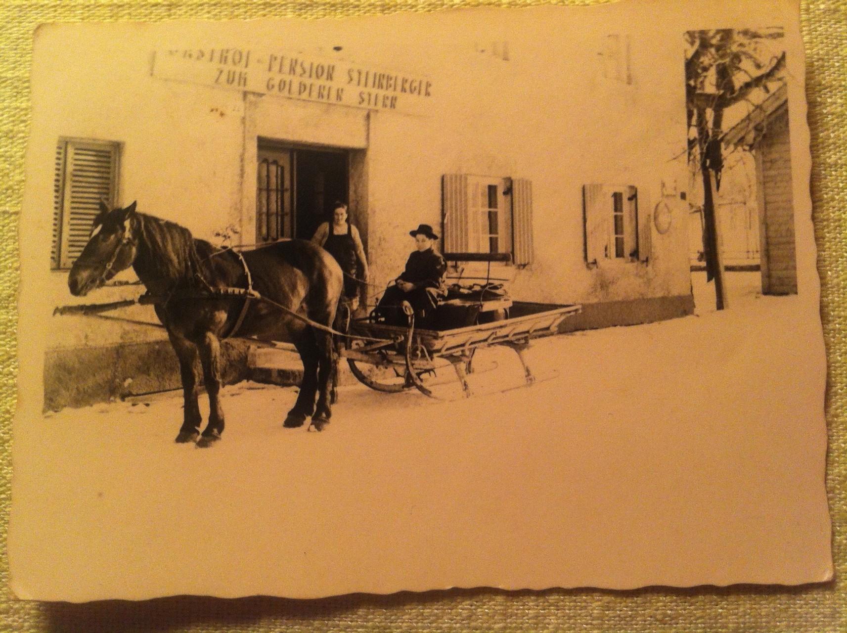 Winter ca.1948 mit Wirtin Maria