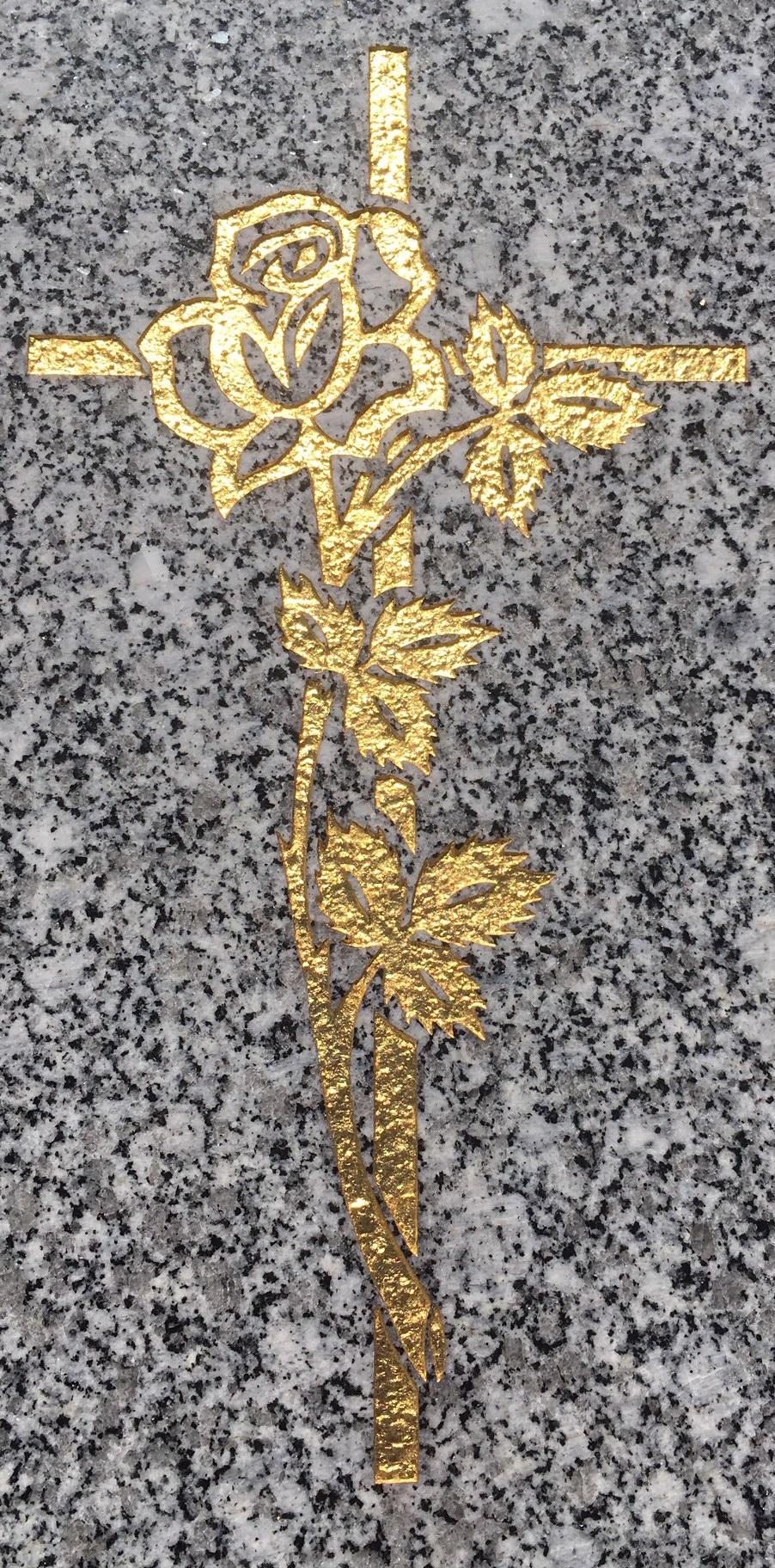 Gravure au sablage + motif à la feuille d'or 22 carats