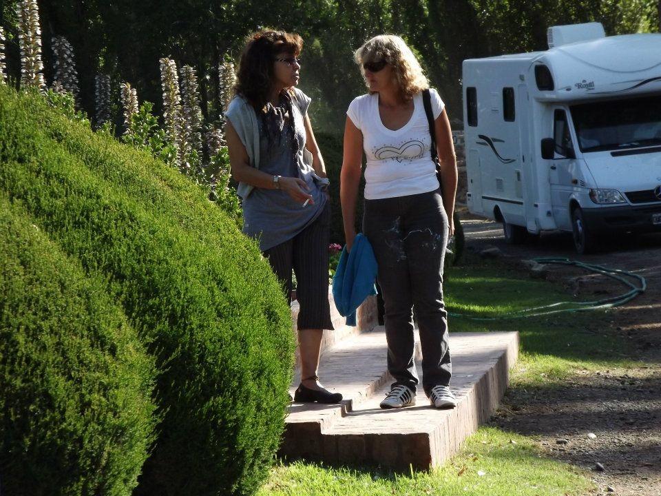 06.01.2012 - Gaiman - Cris e sua cugina Miriam - Cris y su prima Miriam
