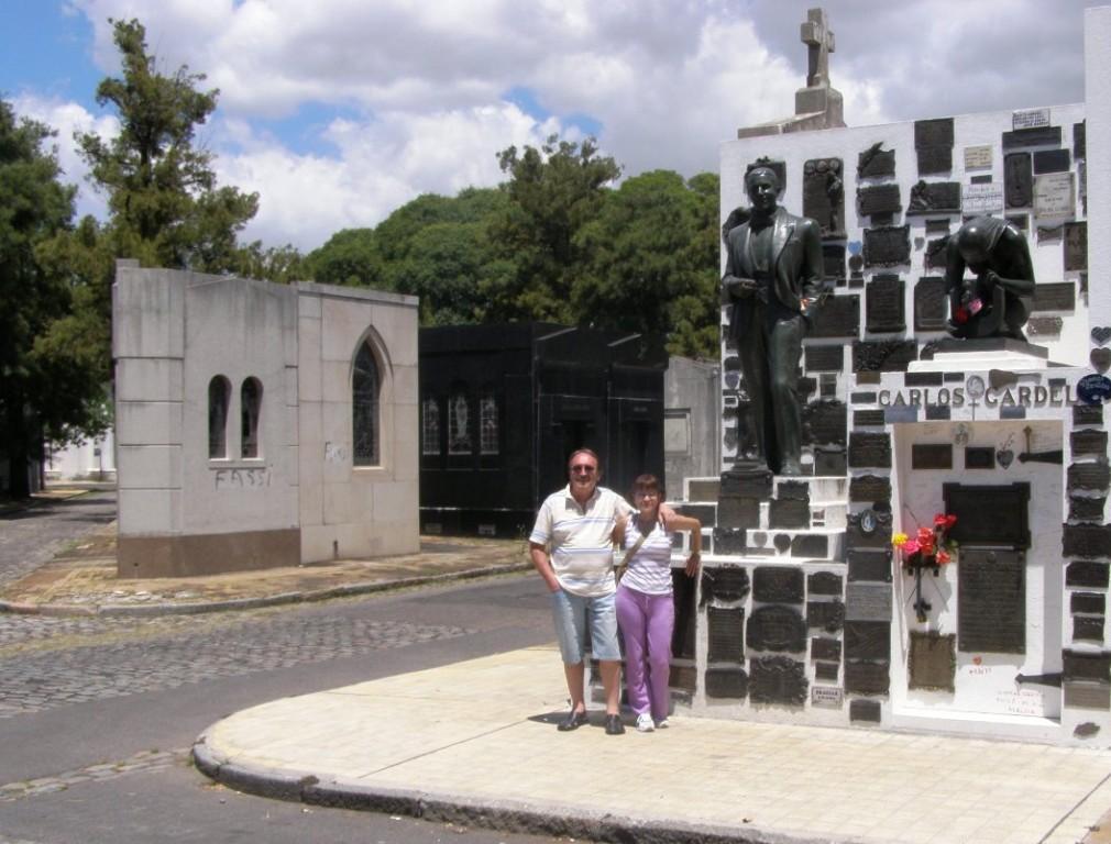 Cementerio monumentale del la Chacarita - Tomba di Gardel (Mirta, Daniel, Cri)