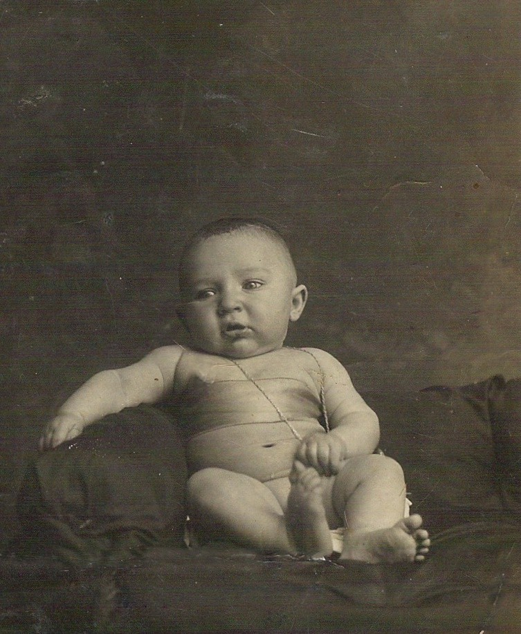 1916 - Mio papà a sei mesi