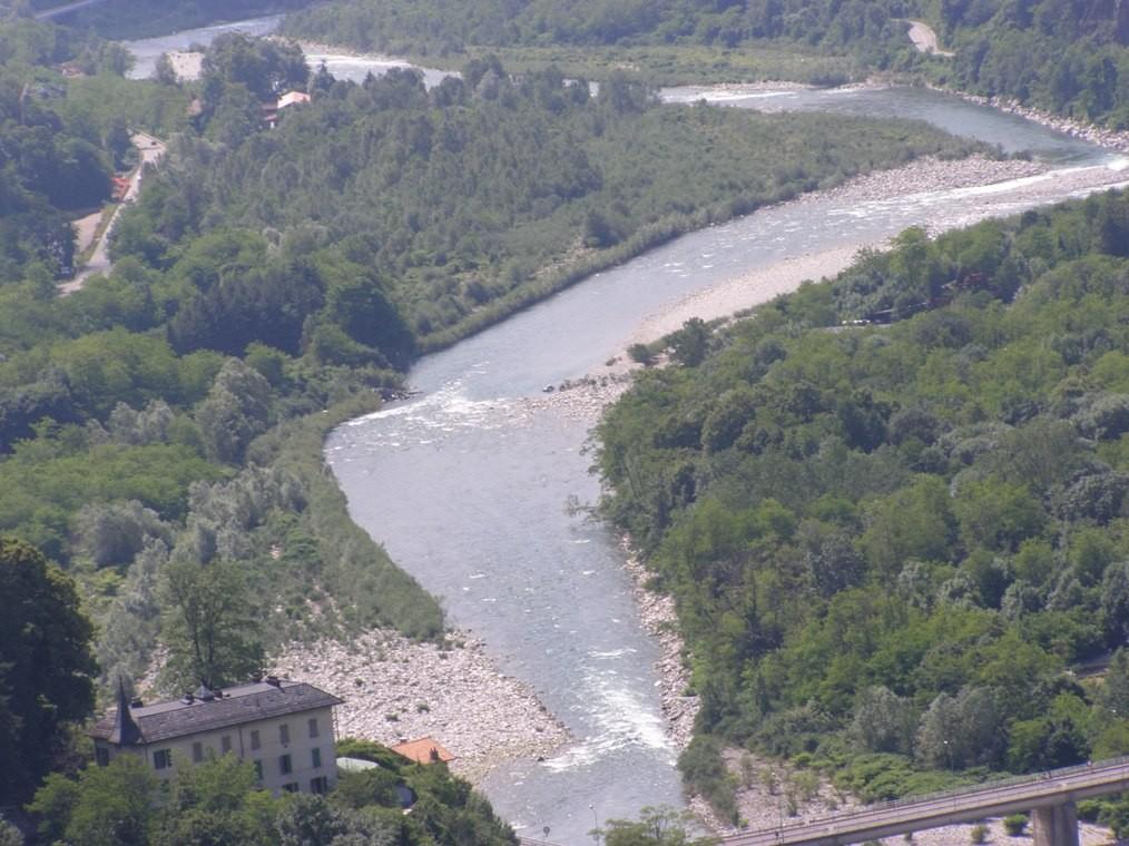 Il Sesia a Varallo dopo il ponte di Crevola - Vista dal Sacro Monte - 31.05.2009
