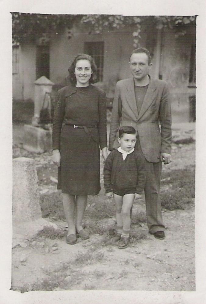 1949 ? - Con mamma e papà a Valmaggia