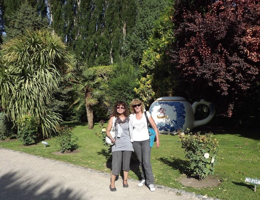06.01.2012 - Gaiman- Cris e sua cugina Miriam - Cris y su prima Miriam
