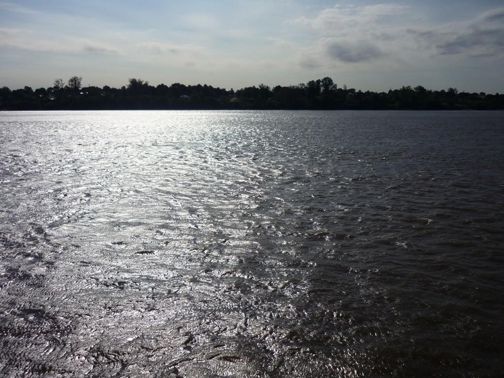 Rio Uruguay. Al di la del fiume c'è l'Argentina