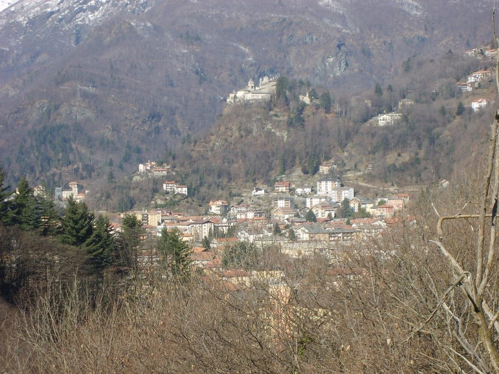 VARALLO VISTO DALLA STRADA DI CIVIASCO - 02.2009