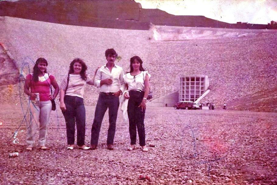Gisela Ayala, segunda desde la izquierda (Foto enviada por su hija Tamy Useche Ayala)
