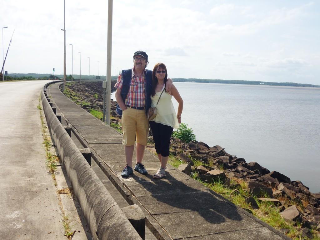 All'inizio della diga di Salto Grande