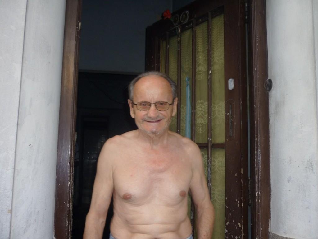 Parenti di Cri - Familiares de Cri - Cri relatives  [Zio (80 anni). tio (80 aňos), uncle (80 y.o.)]