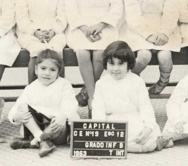 1963 - Cris la prima a desta - Cris. la primera a la derecha - Cris. the first right.