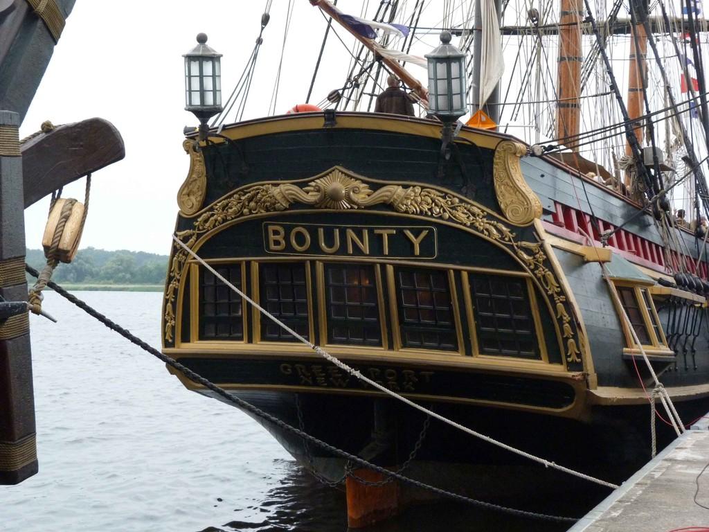 ... die Bounty von hinten