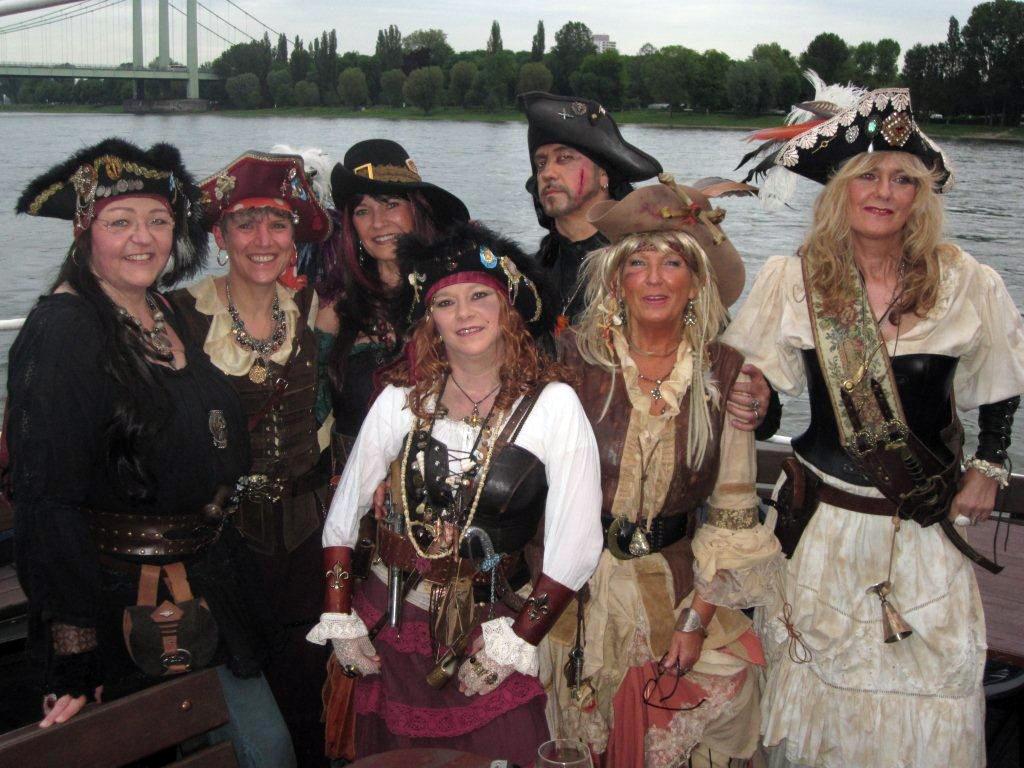 """Pirat im Korb"""