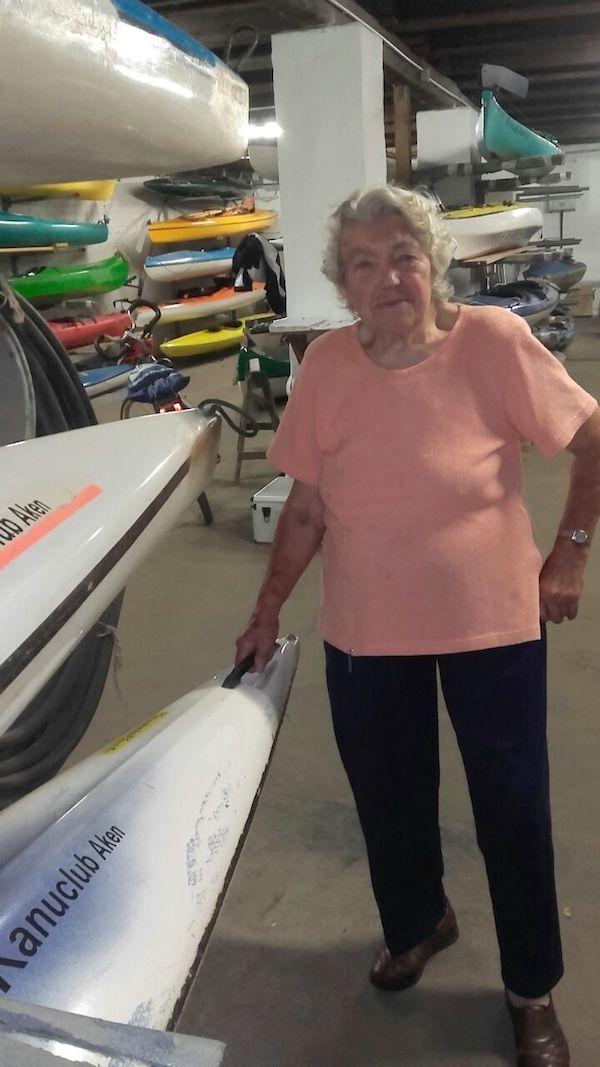 Alt-Kanutin Gerda Ott (87 J.) hat sich über die Einladung sehr gefreut