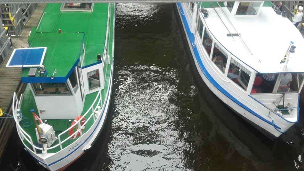 Zwei Vorschiffe