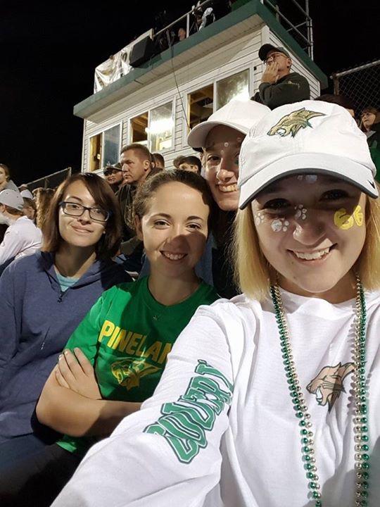 meine Freunde und ich bei einem Football game