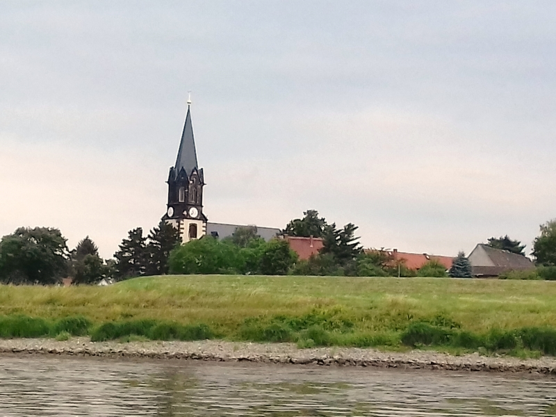 Der Kirchturm von Kaditz