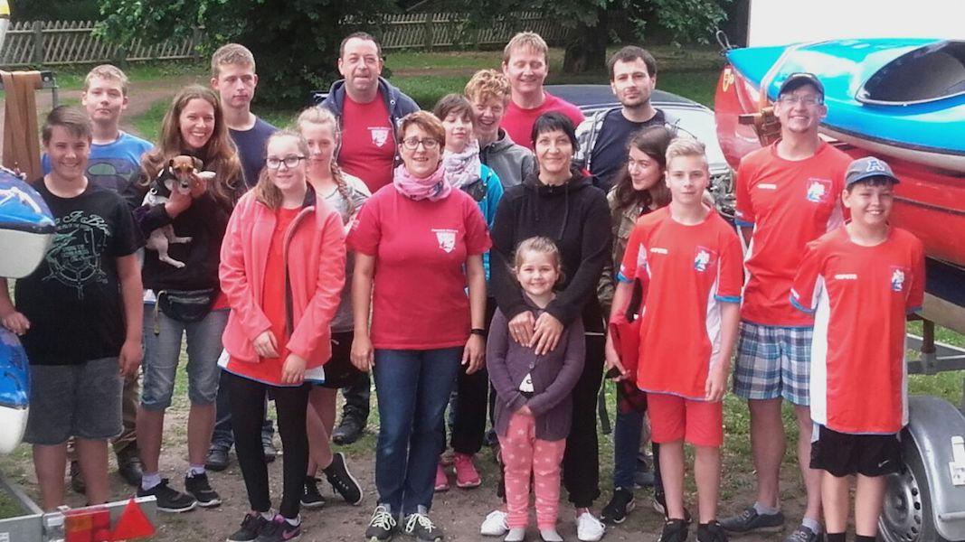 Vor dem Start: Die Teilnehmer der Jugendgruppenfahrt Leipzig