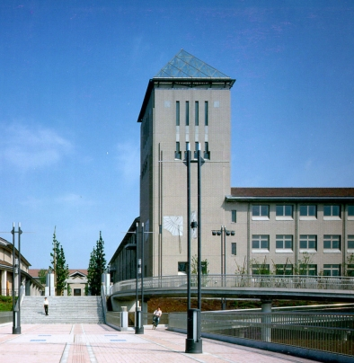 東京都立大学光の塔