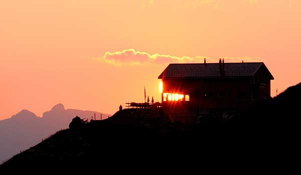 Bäregghütte Sonnenuntergang