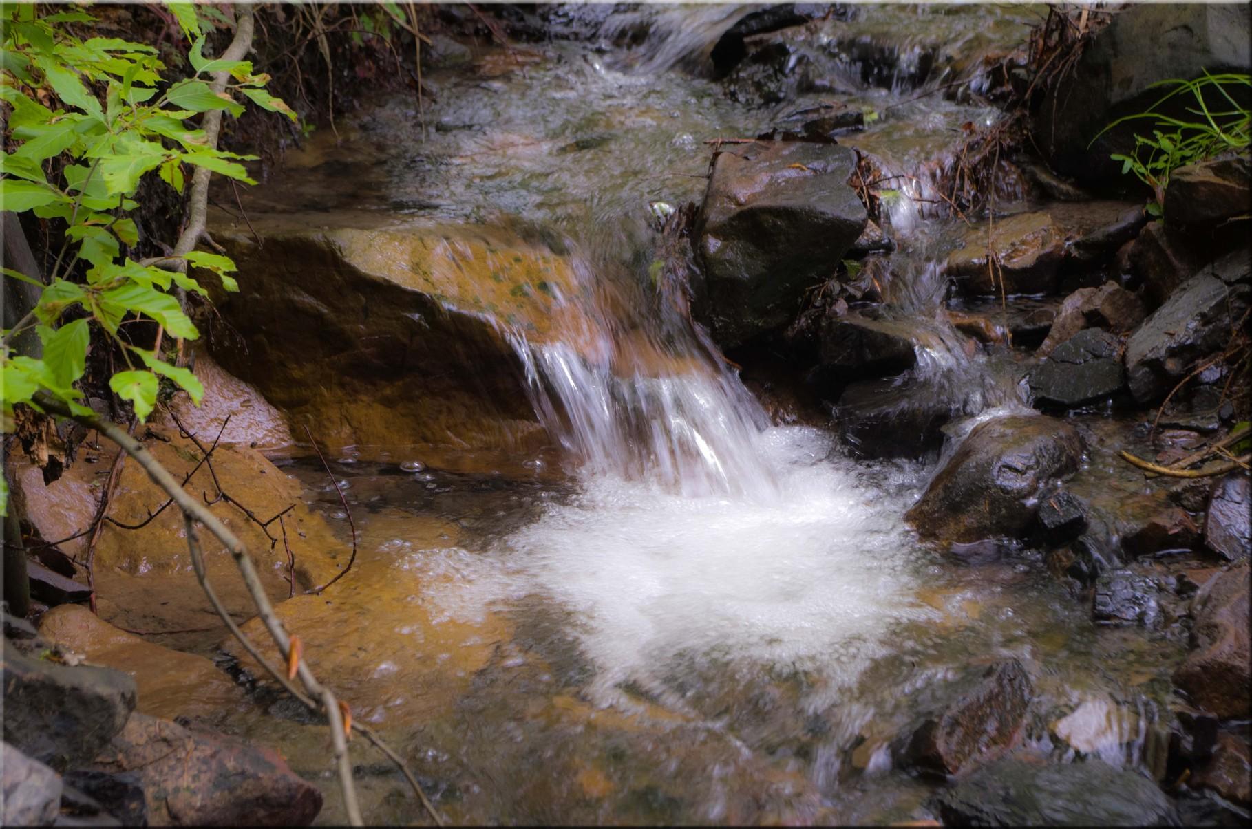Wasser begleitet unsere Wanderung