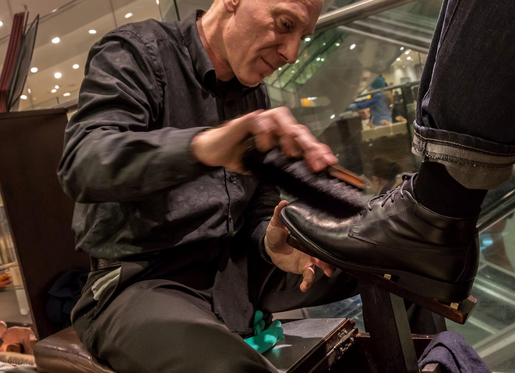 Schuhpflege im Ka De We