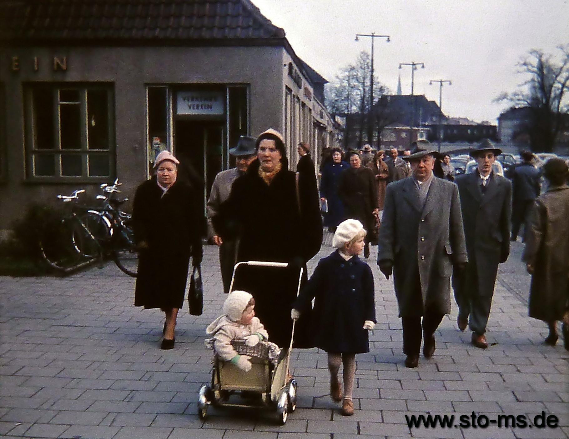 Am Servatiiplatz um 1957 - Heute steht an dieser Stelle das Iduna-Hochaus