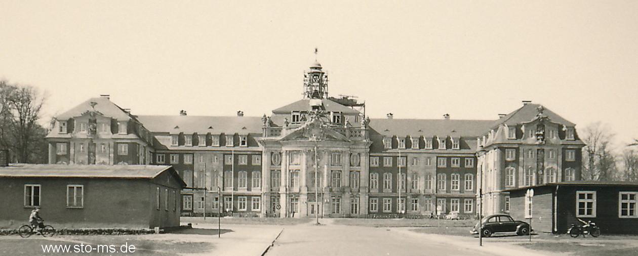 Das Schloss während des Wiederaufbaus - etwa 1950