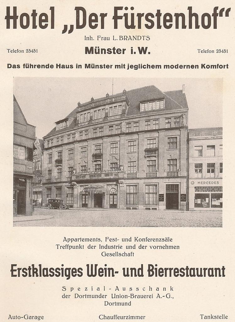 Der Fürstenhof an der Ludgerikirche, später Kino, heute Geschäftshaus