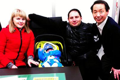 家族滞在ビザ申請が許可された新潟市在住のロシア人ご夫婦とお子さん