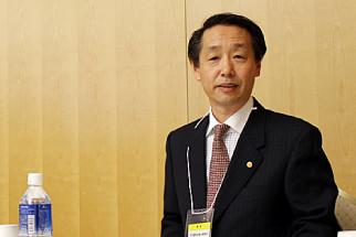 帰化申請(日本国籍取得)について語る国際行政書士、南 直人