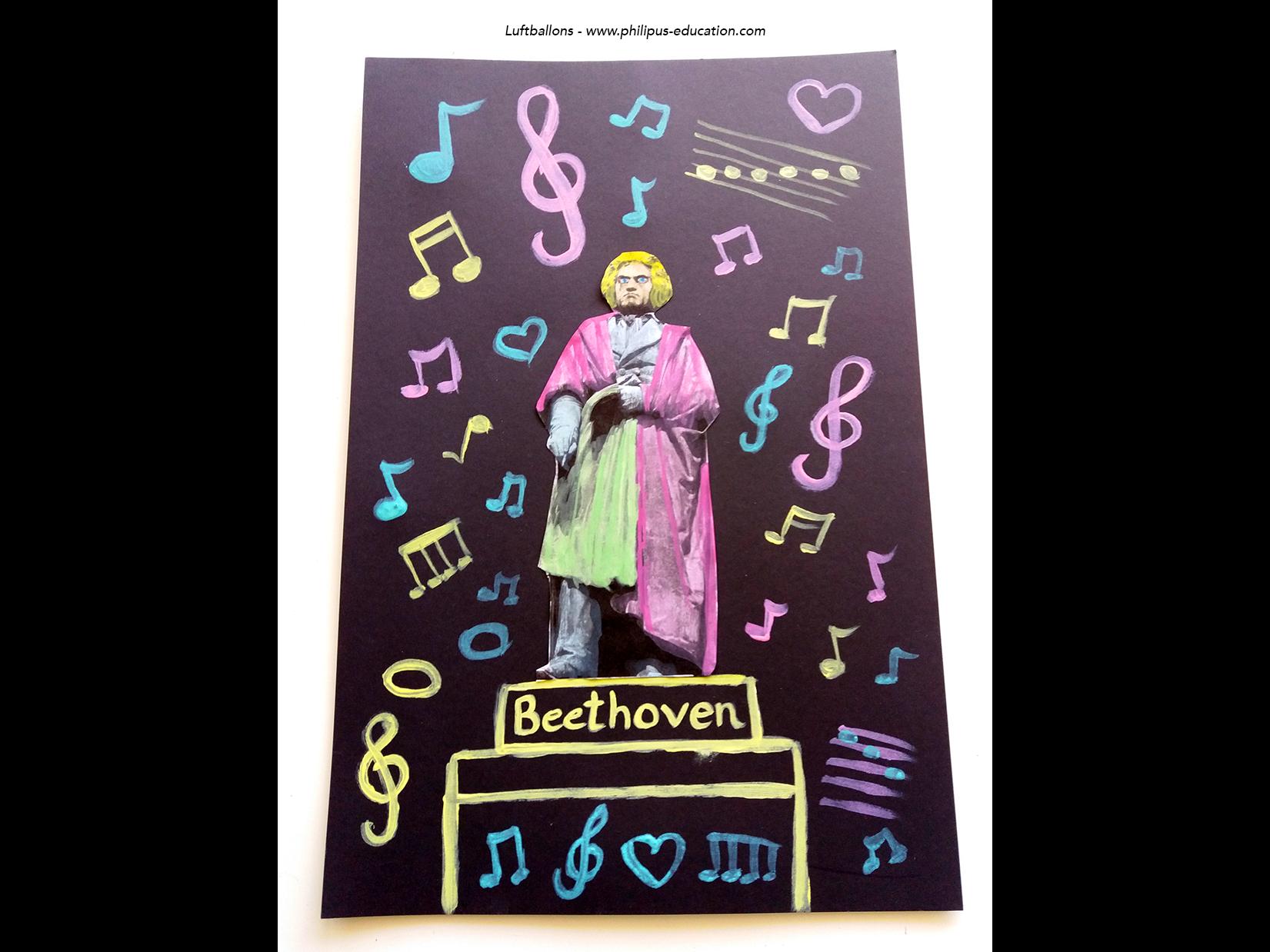 Jetzt werden Deckweiß und viel Farbe gebraucht. Zunächst den Sockel mit Beethovens Namen gestalten und dann in bunten Pastellfarben den Hintergrund mit Noten und Notenschlüsseln verzieren - fertig ist der Pop-Art Beethoven!