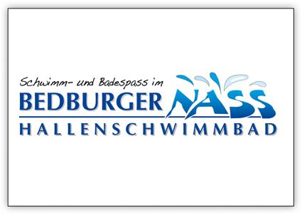 """Beim Logo des Hallenschwimmbades BedburgerNass dominiert die Farbe des Wassers """"Blau""""."""