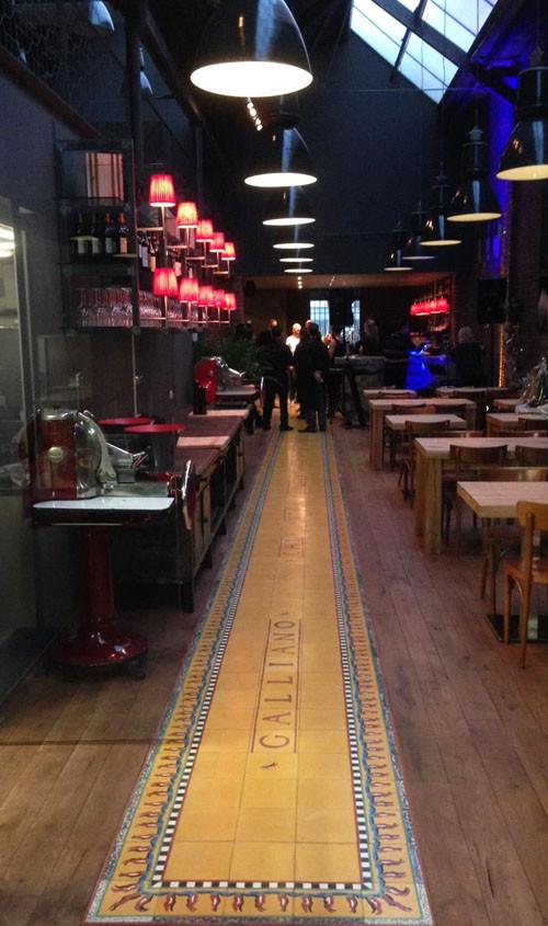 "Galliano, Antwerpen // Zementfliesen: CAROCIM ""Pepper"""