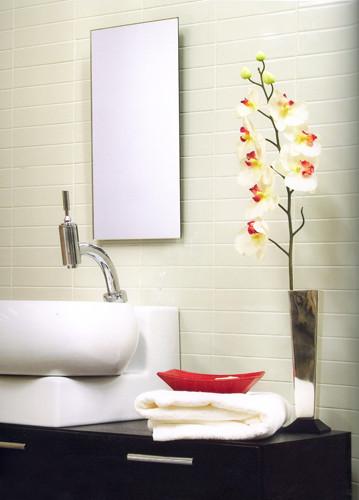 Badezimmer mit Keramikfliesen