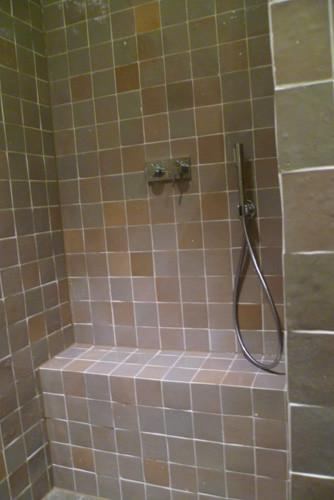 Badezimmer mit Zelliges, beige 10x10 cm