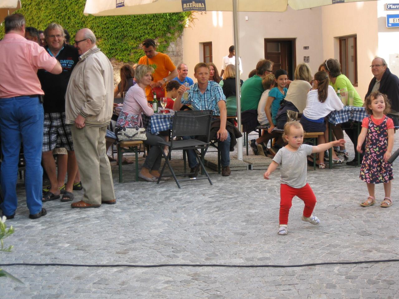 Ein Tänzchen zu den flotten Rhythmen gefällig?