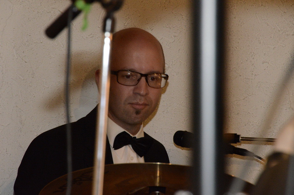Der junge Schlagzeuger Hannes Widmann