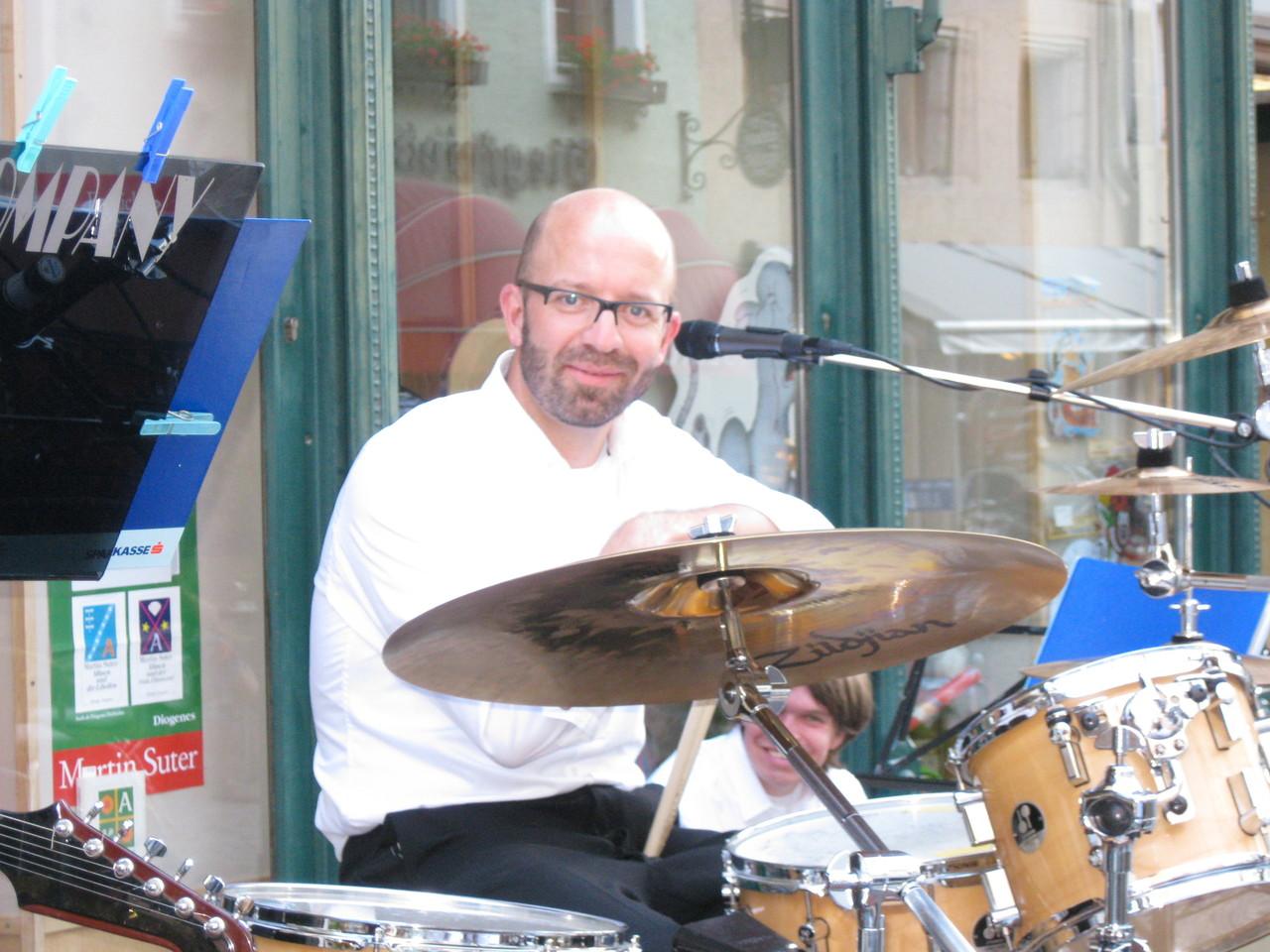 Hannes Widman an den Drums