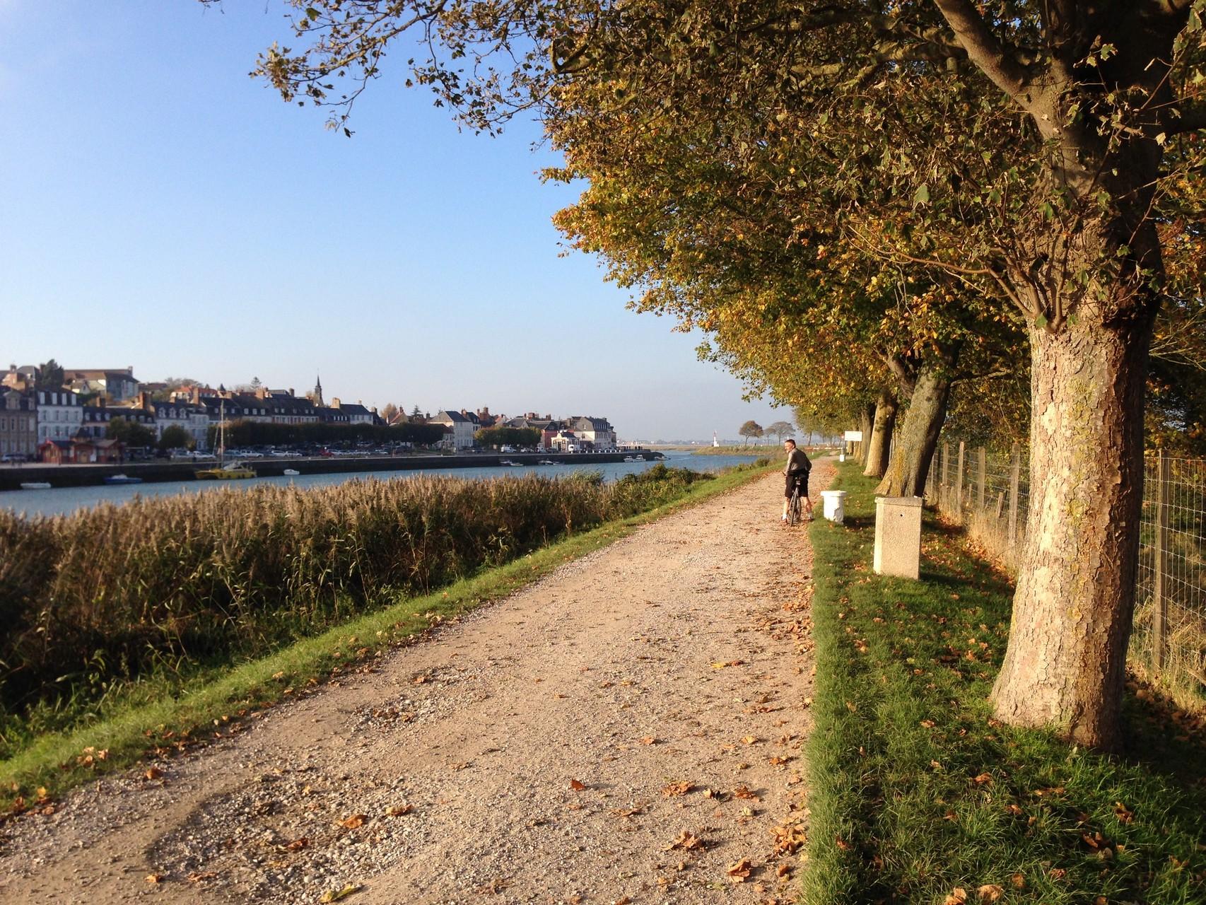 Sur le chemin de halage face à Saint Valery ©milou-en-baie