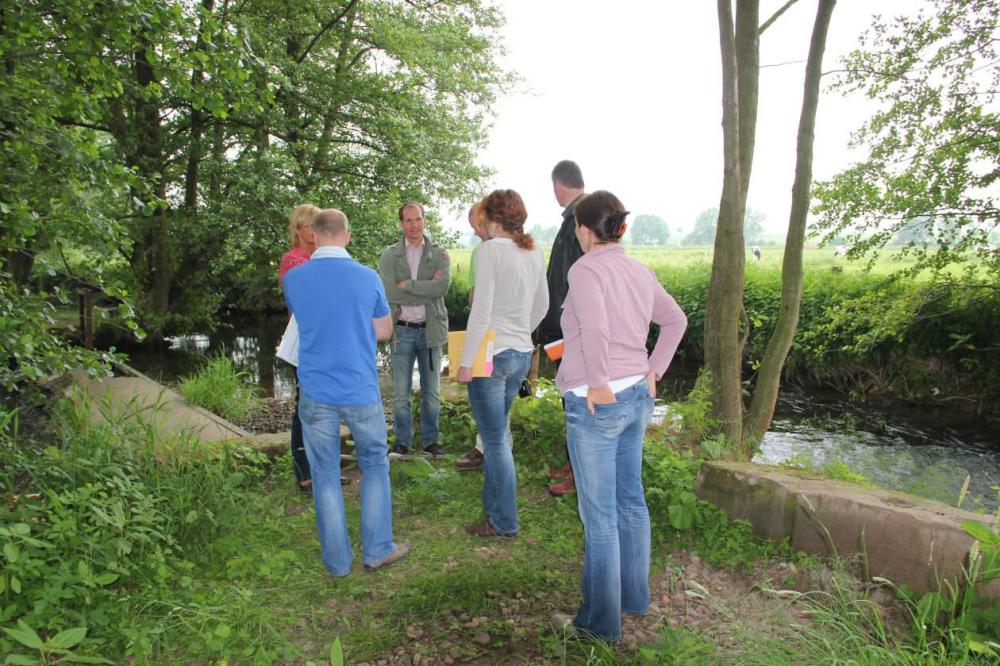 Ende Mai 2012. Vertreter des Landkreises und des LAVES besichtigen im laufenden Genehmigungsverfahren die örtlichen Gegebenheiten.
